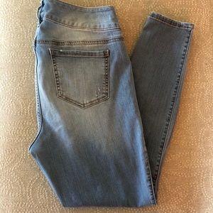 Torrid jeans jeggings size 14 distressed